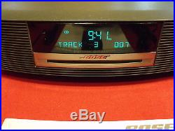 BEAUTIFUL BLACK BOSE WAVE RADIO MUSIC SYSTEM WithCD PLYR+REMOTE+BOSE BOXMINT COND