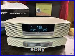 Bose Wave Music System CD AM/FM Radio AWRCC2 With Multi-CD Changer & Remote White