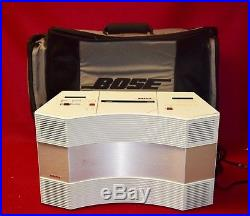 White Bose Acoustic Wave Music System CD 2000 Am/fm Radio W Battery Case Bag
